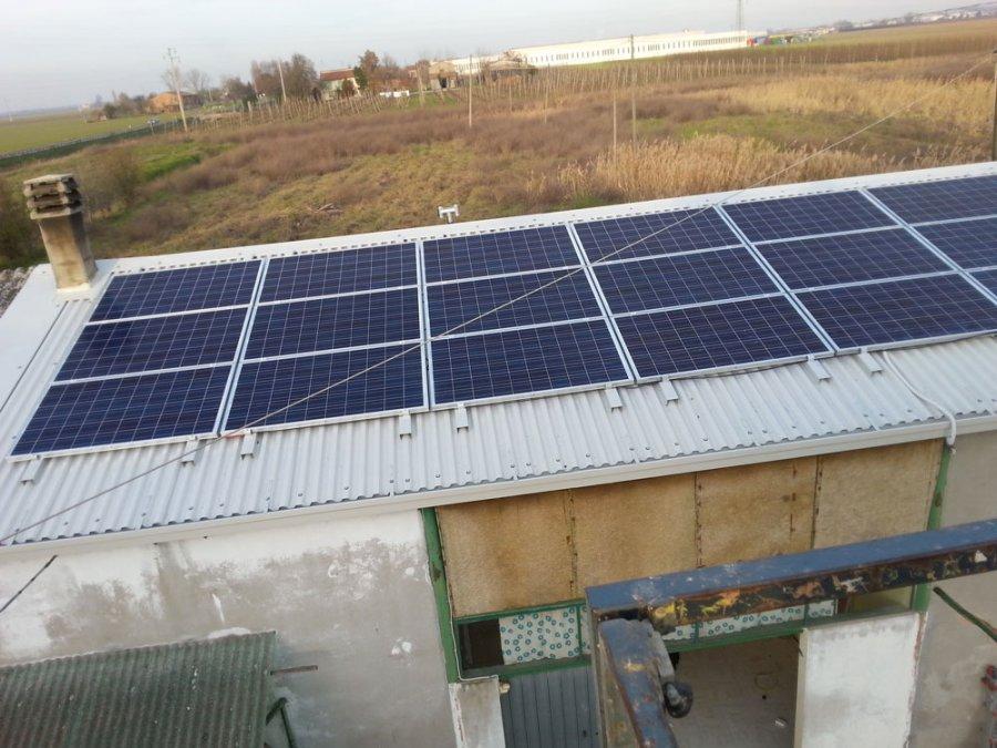 manutenzione rivestimenti con pannelli fotovoltaici