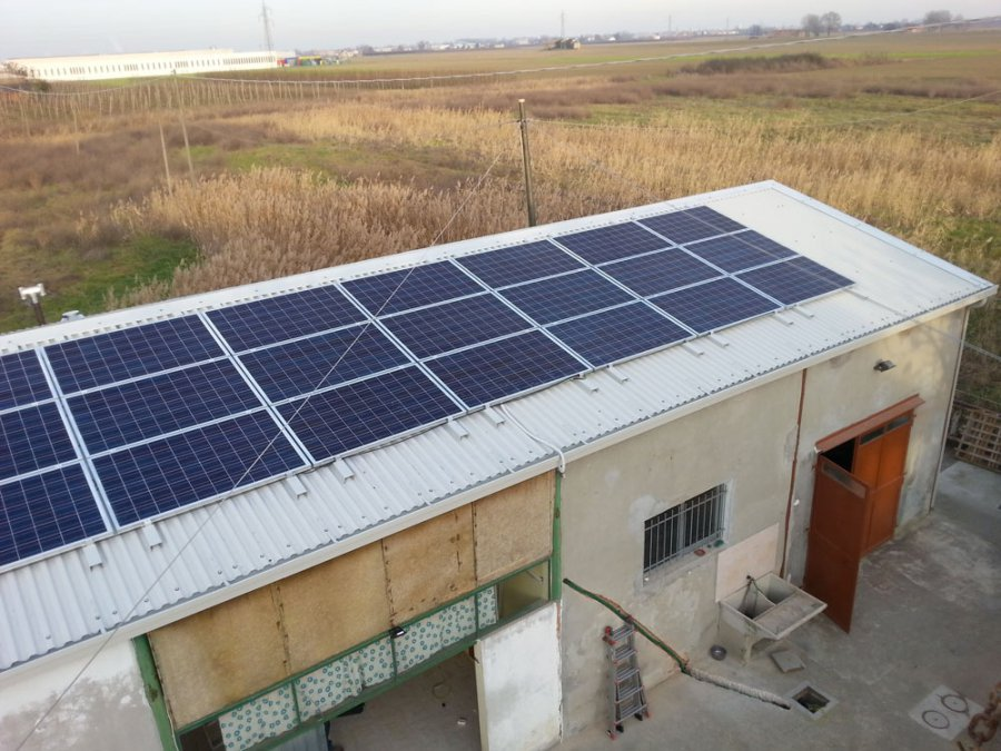 copertura con pannelli fotovoltaici